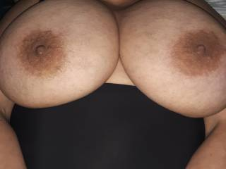 Here\'s a pic for all those big tit lovers