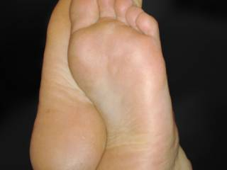 Beautiful....would love to slowly run my tongue from warm smooth sexy heel to delicious toes and softly suck with a moist wet slurp. Love them!