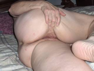 Love looking at pussy like that, my favourite position and she is gorgeous. thnx