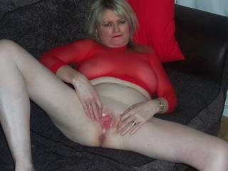 Reallly nice - love a smooth and juicy ussy spread so invitingly!. the only thing missing is my cock bewtween those lovely pink lips !