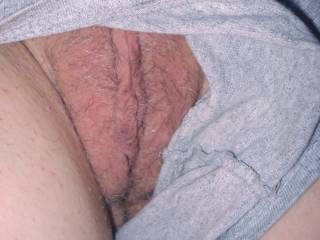 Your lips hanging out of your shorts like this made me grab my cock and stroke it!!!!!!!!!!!
