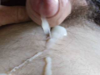 Cumming looking at pics and videos on Zoig!