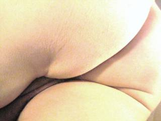 Hott, spread those cheeks need to sniff that pooper