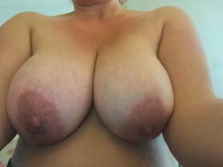 Hasn\'t she got the most amazing big tits ?