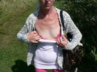 I so want to suck those tiny tits !!!