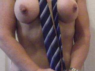 Yes it was me, hope it helped, sorry, but I need it back for a meeting in the morning and will have to come see you because I need you, I mean the tie, for it.  You don't seem to have the hang of knots, maybe I could spoon up behind you and help you tie a few....... I promise I won't get distracted by your smoking hot body that I would crawl across broken glass for RIGHT NOW, honest :D