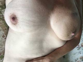 right now i wish they were in front of me I'm jacking off to them n would love to cum on them instead of my stomach like i just did
