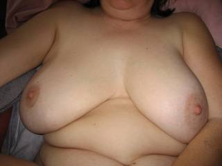 I wanna fuck those big tittys,And cum all over them,,