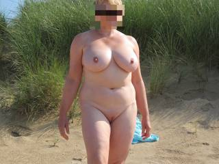 Very sexy and beautiful bod, mmmm i like it, would have a good hard erection,and also be pole vaultingafter you. xxxxxxxxx,s.