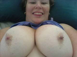 love your big tits! wish i could cover them with my big load!