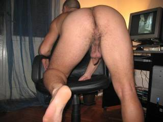 I wish I could lick and suck everything in this pic...beautiful man hole, foreskin and hanging sack...