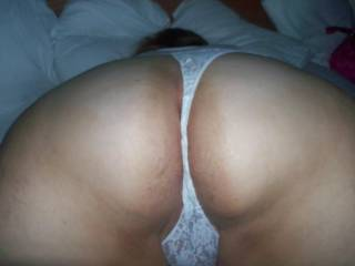 OMG... what a wonderful view...I'd love to suck this pussy and then fuck her slowly until you come by all the holes of your beautiful little body ...
