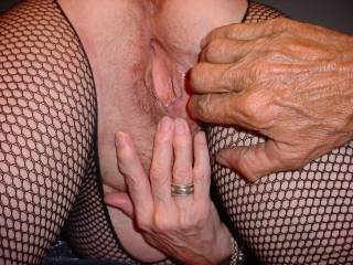 love that open wet pussy! would just love to slowly bury my cock in that sweet lil hole!