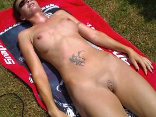 mmmmmmmmmmmmmmm id love to catch u sunbathing naked , then id run over 2 u and squirt spunk all over u before running off hehe