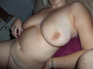 mmmm lovely soft tits and delicious body - what a sexy lady!!! mmmmm