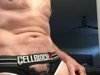 Looking for women to suck my cock