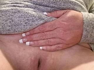 Mature well used pussy cam
