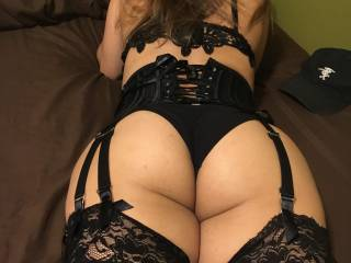 My big ass in one of my favorite lingeries. Cum on me ;)