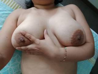 What do you think of my wife\'s tits??