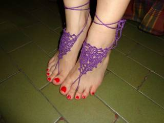 Stroke me with those beautiful toes and you will get a wet, sticky surprise...