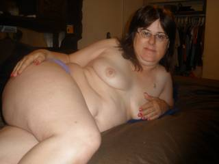 What a beautiful sexy women you are I love to have some playtime with you as your husband video and make photos of us mmmmm