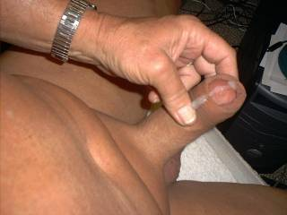 I have a fantasy to see guys blowing their load in my wife pussy...see it leak out of her nice unprotected pussy after a good fucking by a large dick, knowing the head is teasing her deep inside...