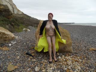 Hi all just chilling on the rocks cool air warm sun make for a horny lady comments welcome mature couple