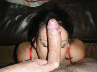 Great pic...love to have my cock balanced on her head :)