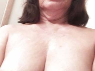 I love showing my saggy old filipina tits