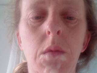 Joanne\'s fb cum over her face & she sent me this photo while i was at work