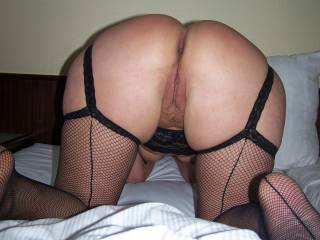 I want that pussy BAREBACK! I bet the smell of her pussy would drive me nuts!! LOL Awesome pic!!