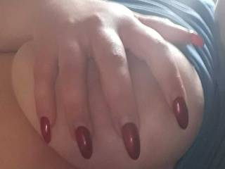Another handbra. Needed a filling real bad, and i\'m not solely talking about my nails ;)