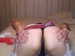 Would love to lube up your sweet ass and fuck you.