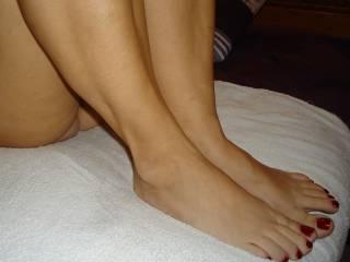 pretty milf feet