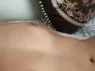 My wife lihes to show her body