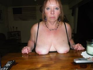 Mmmm tits on a table, love the pic