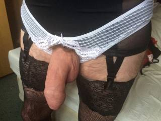 I want to play sissy slut with you.love to eat that cock and suck your ass