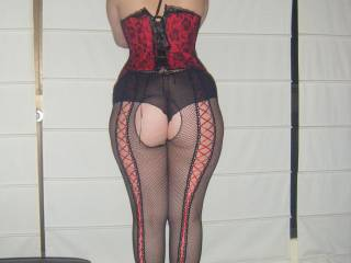 You have a hot , curvy figure Mrs surty and wear lingerie so well it makes my balls ache   xoxoox peter