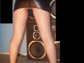 HOT LEGS!!! Super sexy shot up skirt! I luv it heaps girl xxx