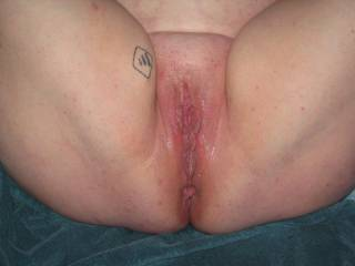 I WOULD SO LOVE TOO EAT THAT HOT ASS PUSSY!!!