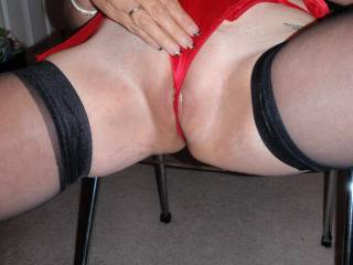 would luv 2 cum on those tight silky red panties