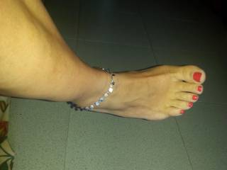 ...beautiful sweet sexy toes!! Gorgeous..