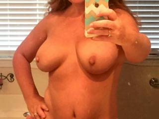 pretty face sexy smile hot tits cute sexy tummy sends shivers thru my cock make me play with my self