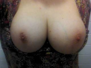 Omg...I wish I can touch and caressing them gently before I grab them from the side and start to licking, sucking and squeezing them beauties...