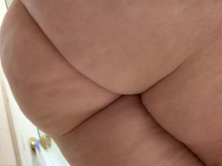 My wife\'s ass wants someone to pound her. Seeing it shake would rock your world ;)