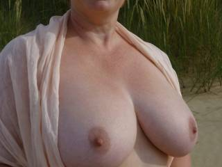 i could look at 20 copies of the same picture and not get tired of looking at her tits. mmm so big, and i adore the creamy complexion
