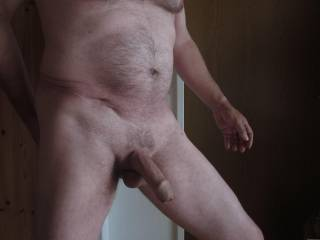 Great body, fantastic cock, exquisite foreskin!