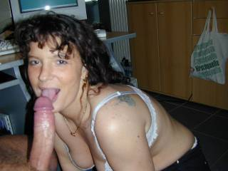 Oh yeah Theresa suck that throbbing cock for us !!