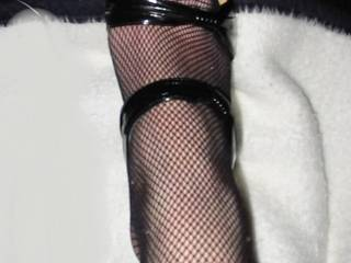 Sexy feet! Go ahead rub your cock on that while I lick your womans tits. Sound good?