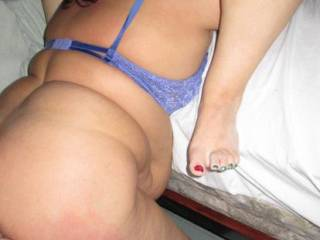 Fucking BBW ass, while she eats her pussy..